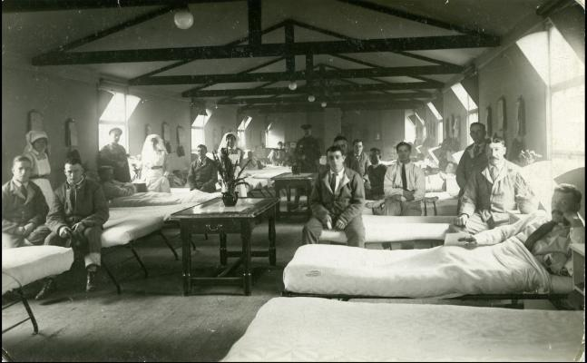 Red Deer Archives, P5426; Soldiers and nurses in a hospital ward during the First World War, between 1914 and 1918